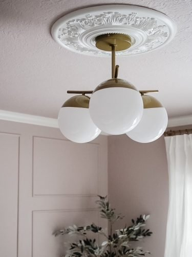 How To Choose A Ceiling Medallion